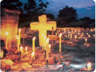 muertos_cementerio_velas_fotos.jpg